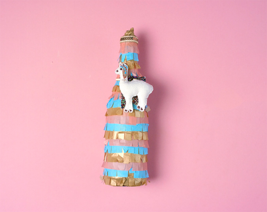 how-to-wrap-a-bottle-pinata-style-step-10