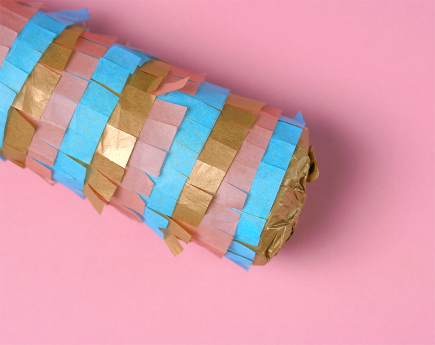 how-to-wrap-a-bottle-pinata-style-step-7